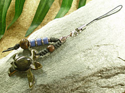 海からの贈り物★黒蝶貝ストラップ カメ