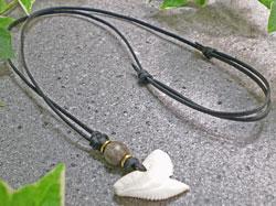 シンプルデザイン★イタチザメ(タイガーシャーク)歯チョーカー